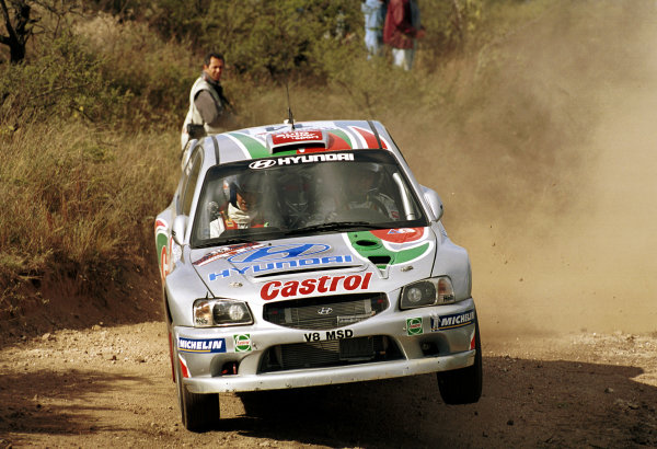 Kenneth Eriksson in action in the Hyundai Accent WRC.Argentina Rally 2000.Photo:McKlein/LAT