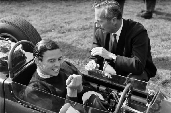 Jim Clark, Lotus 32 Ford, with Colin Chapman.