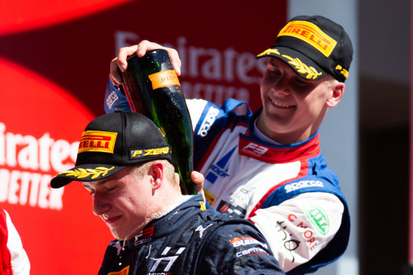 Niko Kari (FIN, Trident) and Juri Vips (EST, Hitech Grand Prix)