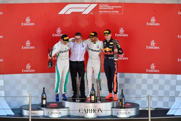 (L to R): Valtteri Bottas (FIN) Mercedes-AMG F1, Bonnington (GBR) Mercedes AMG F1 Race Engineer, Lewis Hamilton (GBR) Mercedes-AMG F1 and Max Verstappen (NED) Red Bull Racing on the podium