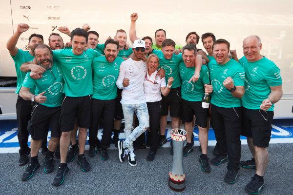 Circuit de Catalunya, Barcelona, Spain. Sunday 14 May 2017. Lewis Hamilton, Mercedes AMG, 1st Position, celebrates with his team. World Copyright: Steve Etherington/LAT Images ref: Digital Image SNE12761