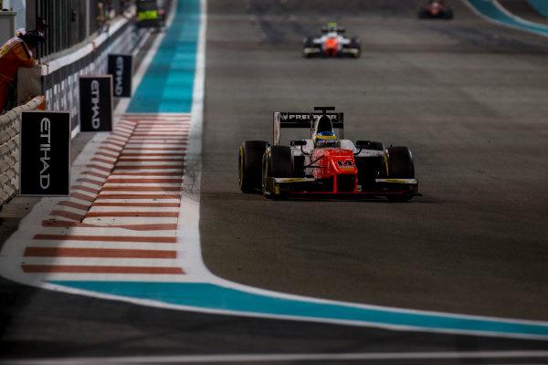 2017 FIA Formula 2 Round 11. Yas Marina Circuit, Abu Dhabi, United Arab Emirates. Saturday 25 November 2017. Sergio Sette Camara (BRA, MP Motorsport).  Photo: Zak Mauger/FIA Formula 2. ref: Digital Image _X0W8856