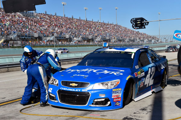 Monster Energy NASCAR Cup Series Ford EcoBoost 400 Homestead-Miami Speedway, Homestead, FL USA Sunday 19 November 2017 Kyle Larson, Chip Ganassi Racing, Credit One / DC Solar Chevrolet SS World Copyright: Nigel Kinrade LAT Images