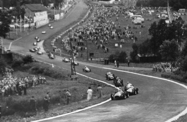 1952 Belgian Grand Prix.Spa-Francorchamps, Belgium. 22 June 1952.Alberto Ascari (Ferrari 500) leads at the start.World Copyright - LAT Photographic