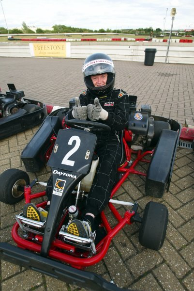 Lady driver Michelle Ryder (GBR) Sutton Motorsport Images saw plenty of action around her as she took twentieth position.