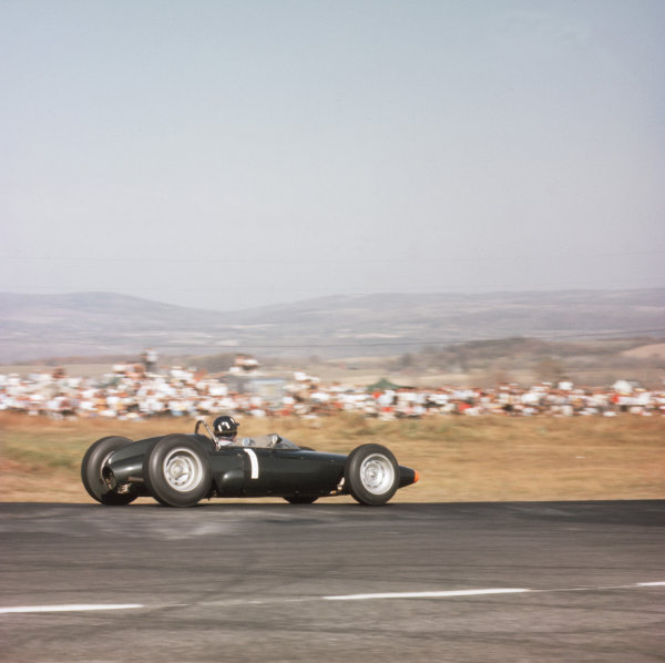 Watkins Glen, New York, USA.4-6 October 1963.Graham Hill (BRM P57) 1st position.Ref-3/1043.World Copyright - LAT Photographic