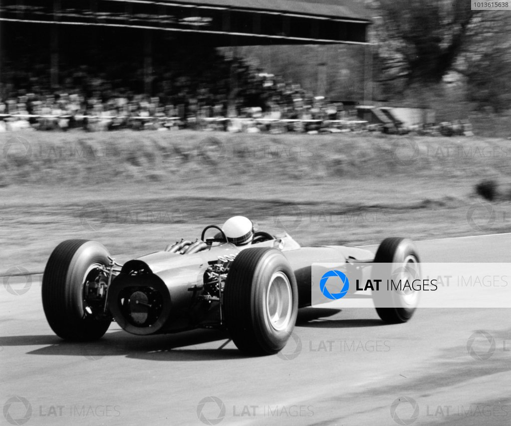 1965 Sunday Mirror Trophy. Goodwood, West Sussex, Great Britain. 19 April 1965. Jackie Stewart, BRM P261, 10th position, action. World Copyright: LAT Photographic Ref: 28753