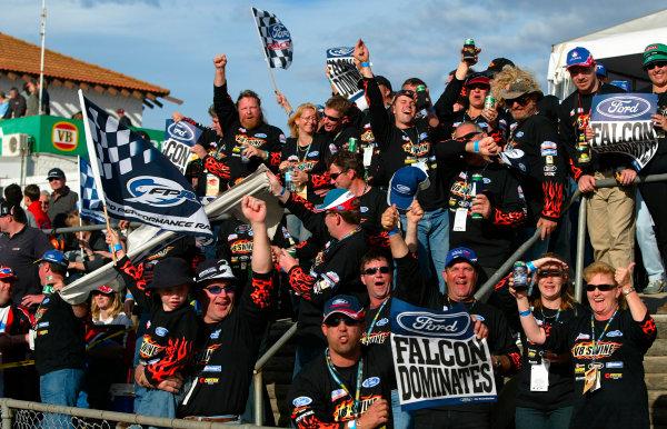 2003 Australian V8 SupercarsOran Park, Sydney, Australia. 17th August 2003.Ford fans celebrate after Ambrose wins todays 300km race at Sydneys Oran Park. World Copyright: Mark Horsburgh/LAT Photographicref: Digital Image Only
