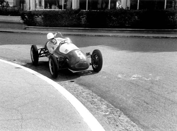1950 Monaco Grand Prix.Monaco, Monte Carlo. 21st May 1950.Harry Schell in the Cooper T12 he drove in both the 500cc F3 race and in the Grand Prix. Ref-L464/33.World Copyright: LAT Photographic