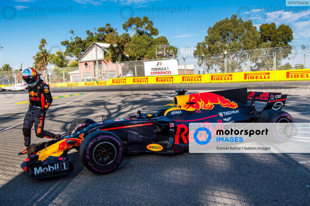 Daniel Ricciardo (AUS) Red Bull Racing RB13 retires from the race at Formula One World Championship, Rd1, Australian Grand Prix, Race, Albert Park, Melbourne, Australia, Sunday 26 March 2017. BEST IMAGE