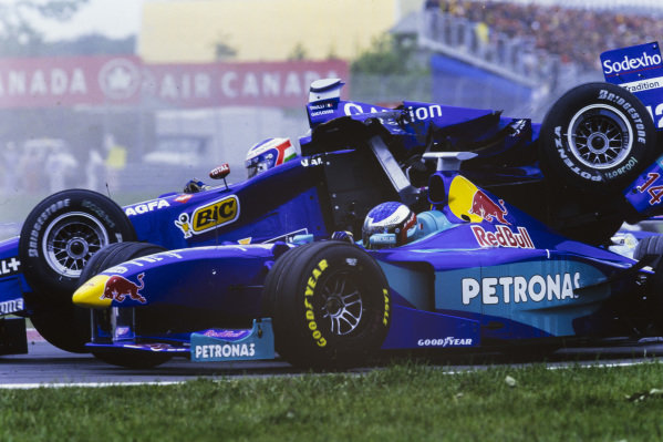 Jarno Trulli, Prost AP01 Peugeot, collides with Jean Alesi, Sauber C17 Petronas.
