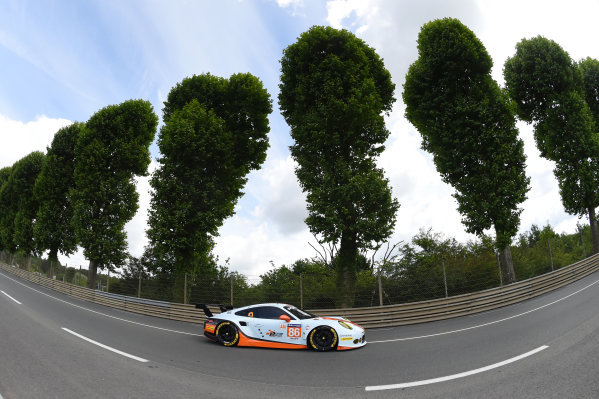 2017 Le Mans 24 Hours test day. Circuit de la Sarthe, Le Mans, France. Sunday 4 June 2017 #86 Gulf Racing Porsche 911 RSR: Michael Wainwright, Ben Barker, Nick Foster World Copyright: Rainier Ehrhardt/LAT Images ref: Digital Image 24LM-testday-re-2478