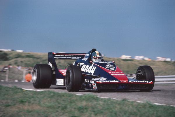 Zandvoort, Holland. 26th - 28th August 1983.Derek Warwick (Toleman TG183B Hart), 4th position, action. World Copyright: LAT Photographic.Ref:  83HOL