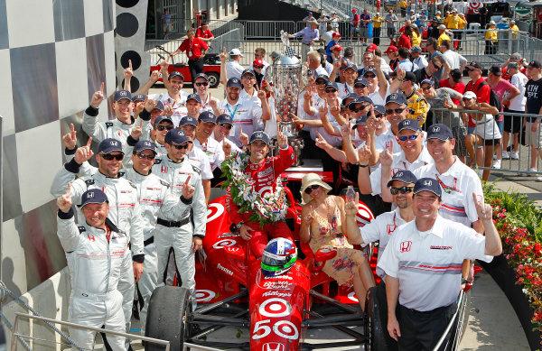 27 May, 2012, Indianapolis, Indiana, USADario Franchitti celebrates with wife Ashley Judd and Honda engineers in victory lane.`(c)2012, Phillip AbbottLAT Photo USA