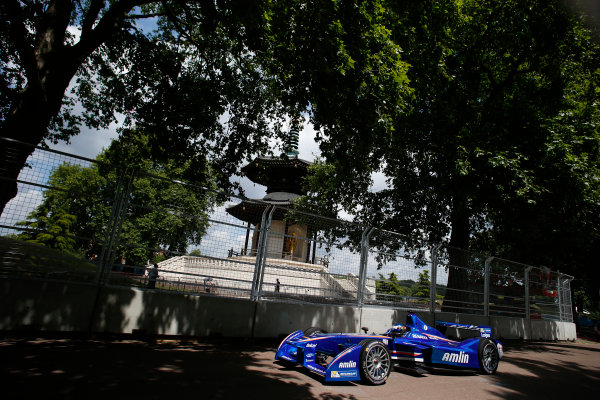 2014/2015 FIA Formula E Championship. London e-Prix, Battersea Park, London, UK. Saturday 27 June 2015. Jean-Eric Vergne (FRA)/Andretti Motorsport - Spark-Renault SRT_01E  World Copyright: Steven Tee/LAT Photographic/Formula E. ref: Digital Image _L4R9731
