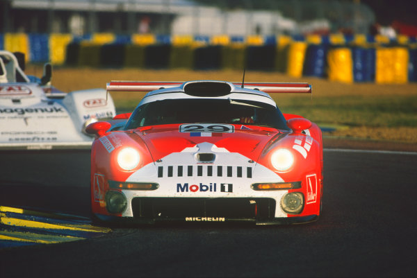 Le Mans, France. 14th - 15th June 1997.Alain Ferte/Olivier Thevenin/Jurgen von Gartzen (Porsche 911 GT1), retired, leads Tom Kristensen/Stefan Johansson/Michele Alboreto (TWR Porsche WSC 95), 1st position, action.World Copyright: LAT Photographic.Ref:  97LM12.