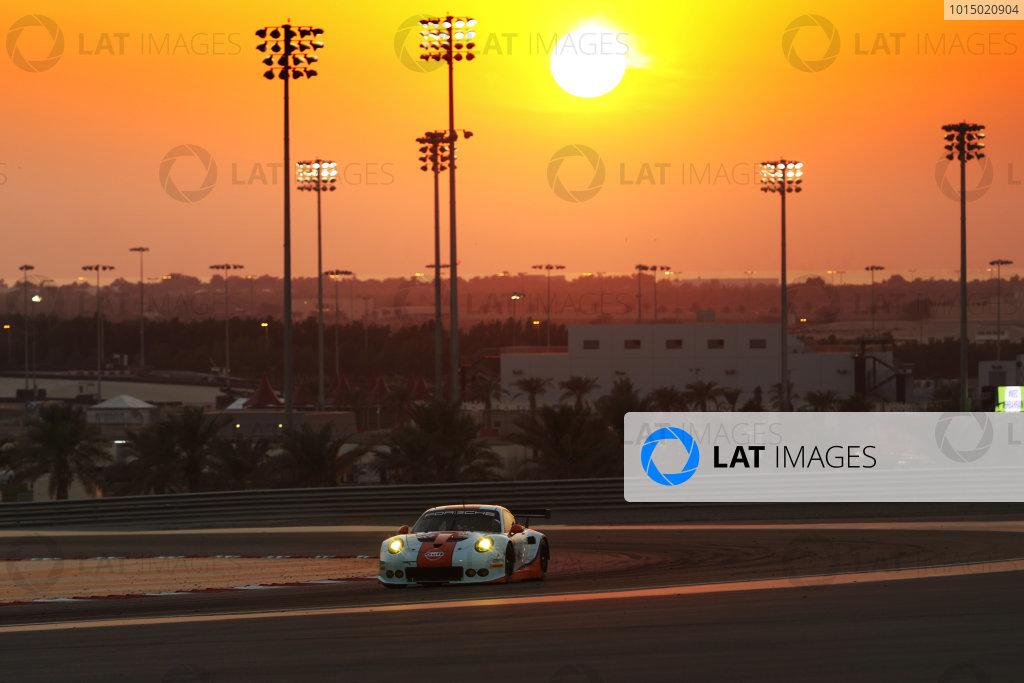 2017 FIA World Endurance Championship, Bahrain International Circuit, Bahrain. 16th-18th November 2017,   #86 Gulf Racing Porsche 911 RSR (991): Michael WainwrightI / Ben Barker  / Nick Foster World Copyright. JEP/LAT Images