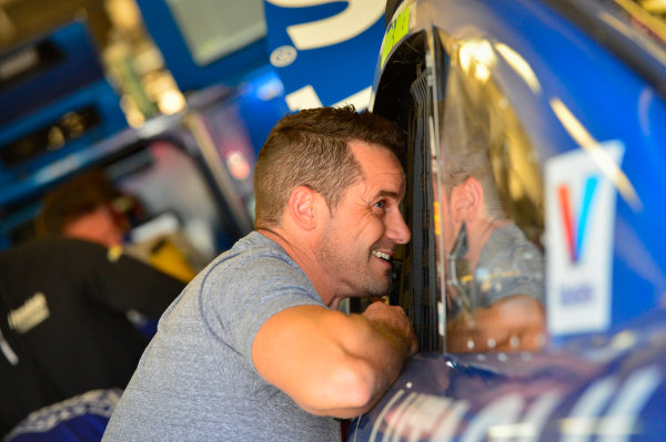 2017 Monster Energy NASCAR Cup Series O'Reilly Auto Parts 500 Texas Motor Speedway, Fort Worth, TX USA Friday 7 April 2017 Casey Mears, Jimmie Johnson World Copyright: Logan Whitton/LAT Images ref: Digital Image 17TEX1LW0110