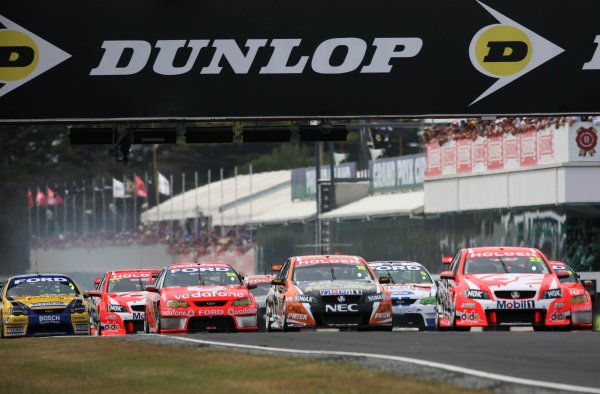 Race 3 start during the Dunlop Grand Finale, Round 14 of the Australian V8 Supercar Championship Series at the Phillip Island Grand Prix Circuit, Phillip Island, Victoria November 30-December 2, 2007.