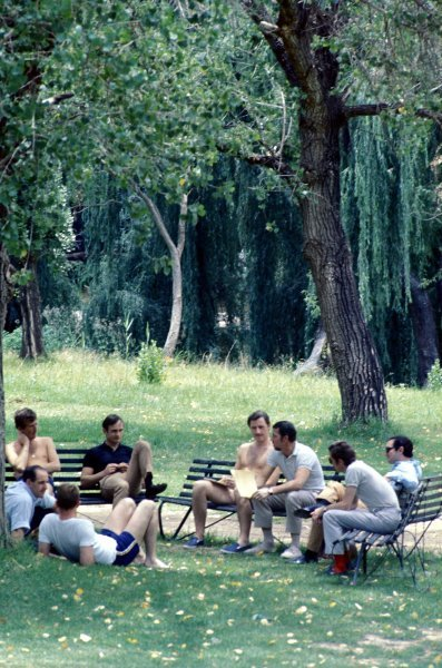 The GPDA (Grand Prix Drivers Association) hold their annual meeting under the trees (L to R):  Jochen Rindt (AUT), Denny Hulme (NZL), Dan Gurney (USA), Chris Amon (NZL), Graham Hill (GBR), Jo Bonnier (SUI), Piers Courage (GBR) and Pedro Rodriguez (MEX). Formula One World Championship, Rd1, South African Grand Prix, Kyalami, South Africa, 1 January 1968. BEST IMAGE