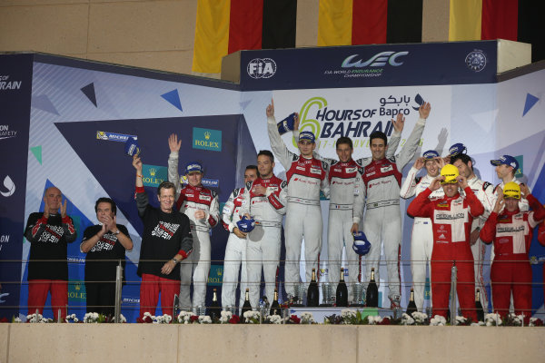 2016 FIA World Endurance Championship, Bahrain International Circuit, 17th-19th November 2016, P1 Podium Lucas di Grassi / Loic Duval / Oliver Jarvis - Audi Sport Team Joest Audi R18 lead World Copyright. Jakob Ebrey/LAT Photographic