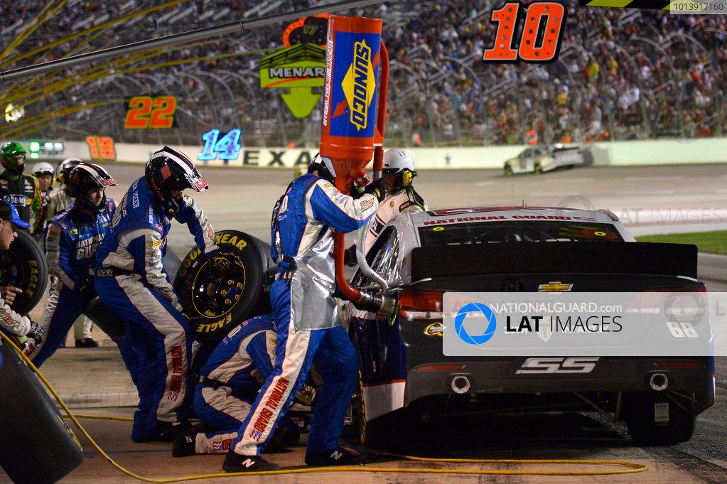 April 11-13, 2013 Fort Worth, Texas USA Dale Earnhardt Jr. pitstop © 2013, Brian Czobat LAT Photo USA .