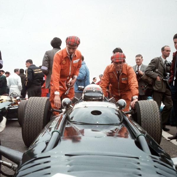 Jackie Stewart (BRM).Ref-3/2756.World Copyright - LAT Photographic