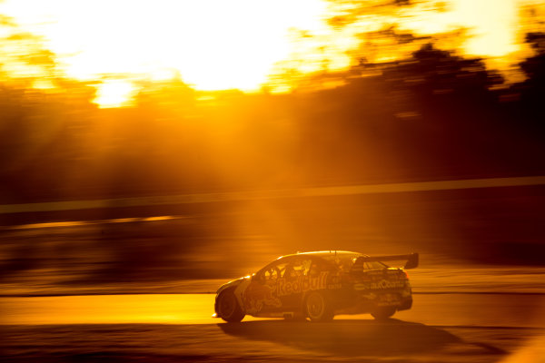 2016 Supercars Championship Round 8.  Ipswich SuperSprint, Queensland Raceway, Willowbank, Queensland, Australia. Friday 22nd July to Sunday 24th July 2016. Jamie Whincup drives the #88 Red Bull Racing Australia Holden Commodore VF. World Copyright: Daniel Kalisz/LAT Photographic Ref: Digital Image 230716_VASCR8_IPSWICH_DKIMG_1904.JPG