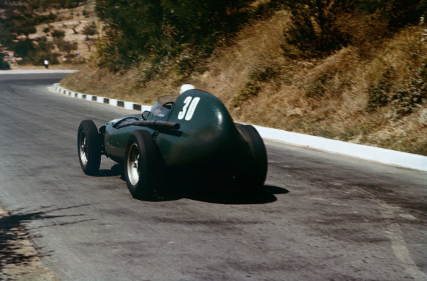 Pescara, Italy. 16-18 August 1957. Stuart Lewis-Evans, Vanwall VW1, 5th position. Ref: 57PES08. World Copyright - LAT Photographic