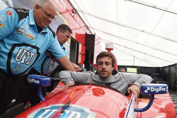 2017 Verizon IndyCar Series Honda Indy Grand Prix of Alabama Barber Motorsports Park, Birmingham, AL USA Sunday 23 April 2017 Fernando Alonso sits in Marco Andretti's car World Copyright: Rainier Ehrhardt/LAT Images ref: Digital Image 20170423indycar-bhm-RAE-0005