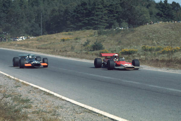 1969 Canadian Grand Prix.Mosport Park, Ontario, Canada.18-20 September 1969.John Miles (Lotus 63 Ford) and Bill Brack (BRM P138).Ref-69 CAN 37.World Copyright - LAT Photographic