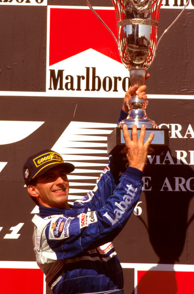 Buenos Aires, Argentina.5-7 April 1996.Damon Hill (Williams Renault) 1st position on the podium.Ref-96 ARG 01.World Copyright - LAT Photographic