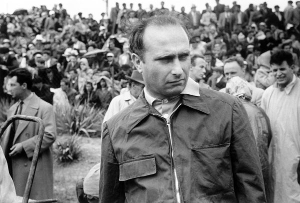 1953 Grand Prix d'Albi.Albi, France. 31 May 1953.Juan Manuel Fangio (BRM P15), retired.World Copyright: LAT PhotographicRef: Autosport b&w print