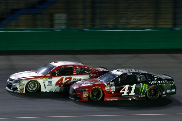 Monster Energy NASCAR Cup Series Quaker State 400 Kentucky Speedway, Sparta, KY USA Saturday 8 July 2017 Kyle Larson, Chip Ganassi Racing, Target Chevrolet SS, Kurt Busch, Stewart-Haas Racing, Haas Automation/Monster Energy Ford Fusion World Copyright: Brett Moist LAT Images