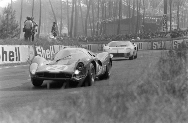 Willy Mairesse / Jean Blaton, Ecurie Nationale Belge, Ferrari 330P4.