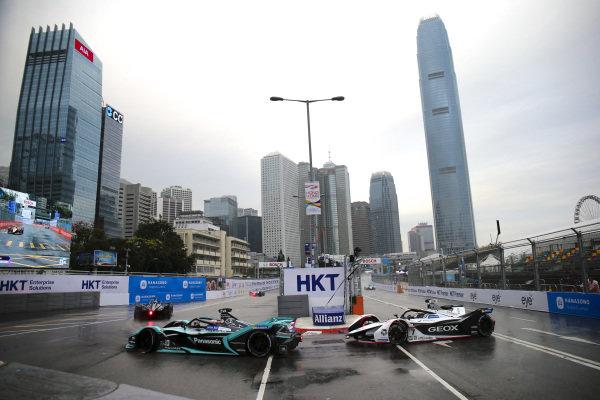 Mitch Evans (NZL), Panasonic Jaguar Racing, Jaguar I-Type 3 leads Jose Maria Lopez (ARG), GEOX Dragon Racing, Penske EV-3