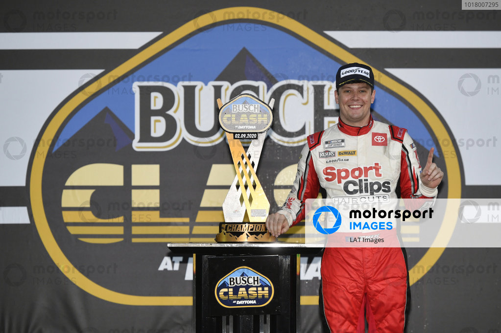 #20: Erik Jones, Joe Gibbs Racing, Toyota Camry Sports Clips