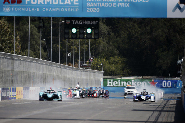 Mitch Evans (NZL), Panasonic Jaguar Racing, Jaguar I-Type 4, leads at the start of the race
