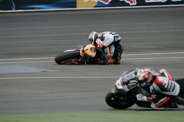 Indianapolis Grand Prix, Indianapolis, USA.28th - 30th August 2009.Dani Pedrosa Repsol Honda Team crashes out of the lead of the race.World Copyright: Martin Heath/LAT Photographic ref: Digital Image _D7P8250