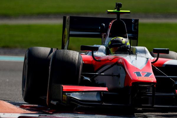 2015 GP2 Series Test 3. Yas Marina Circuit, Abu Dhabi, United Arab Emirates. Thursday 3 December 2015. Nick Yelloly (GBR, MP Motorsport). World Copyright: Zak Mauger/LAT Photographic. ref: Digital Image _L0U1788