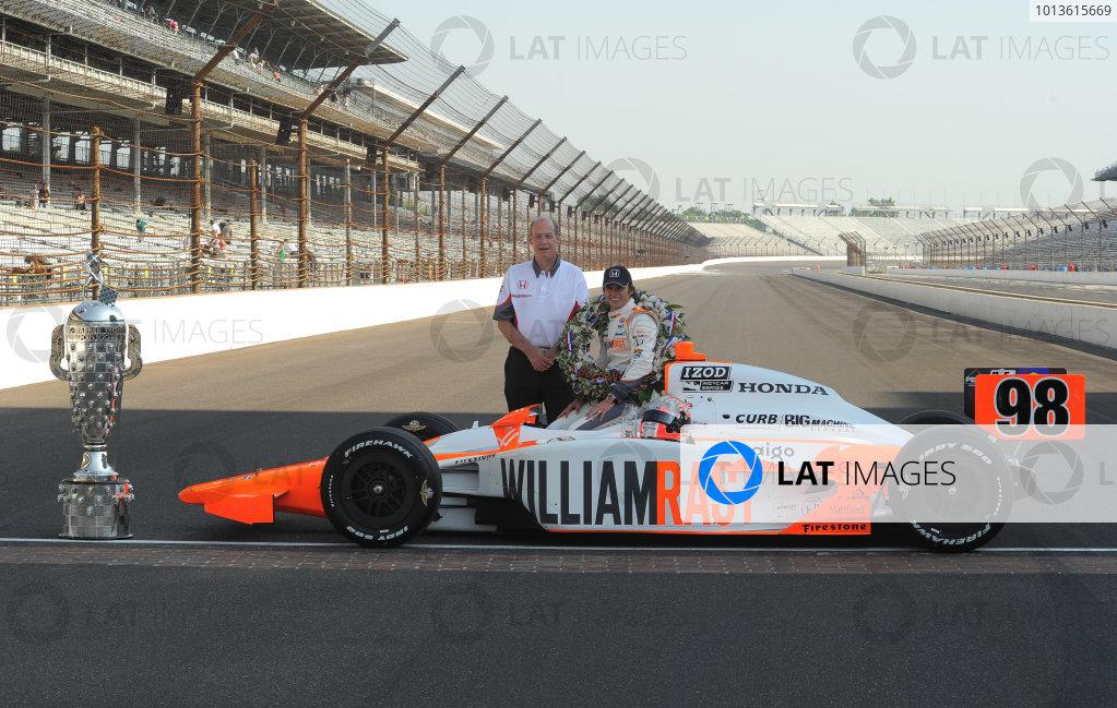 23  May 2011, Indianapolis, Indiana USA2011 Indy 500 winner, Dan Wheldon with Honda's T E. McHale©2011 Dan R. Boyd Lat Photo USA