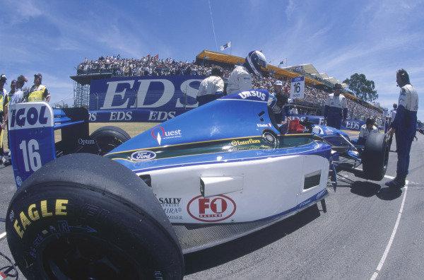 Adelaide, Australia. 10-12 November 1995. Bert Gachot, Pacific PR02 Ford, 8th position, on the grid. Ref-95 AUS 55 World Copyright - LAT Photographic
