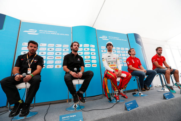2014 Formula E  Punta Del Este e-Prix, Uruguay Friday 12 December 2014. Oriol Servia (SPA)/Dragon Racing - Spark-Renault SRT_01E, Jean-Eric Vergne (FRA)/Andretti Motorsport - Spark-Renault SRT_01E, Lucas di Grassi (BRA)/Audi Abt Sport - Spark-Renault SRT_01E, Antonio Garcia (ESP)/China Racing - Spark-Renault SRT_01E & Sam Bird (GBR)/Virgin Racing - Spark-Renault SRT_01E  Photo: Sam Bloxham/LAT/Formula E ref: Digital Image _14P4358