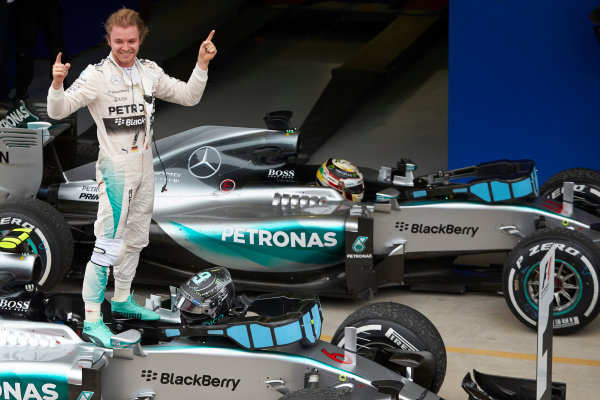 Interlagos, Sao Paulo, Brazil. Sunday 15 November 2015. Nico Rosberg, Mercedes AMG, 1st Position, celebrates upon arrival in Parc Ferme. World Copyright: Steve Etherington/LAT Photographic ref: Digital Image SNE12869