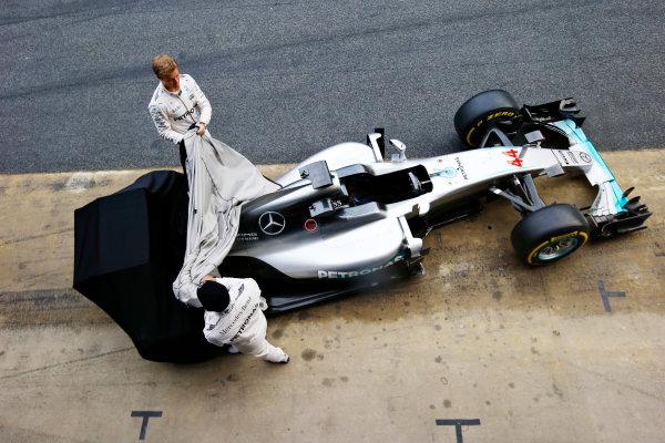 Circuit de Catalunya, Barcelona, Spain Monday 22 February 2016. Nico Rosberg, Mercedes AMG, and Lewis Hamilton, Mercedes AMG, unveil the Mercedes F1 W07 Hybrid. World Copyright: Steven Tee/LAT Photographic ref: Digital Image _L4R6869