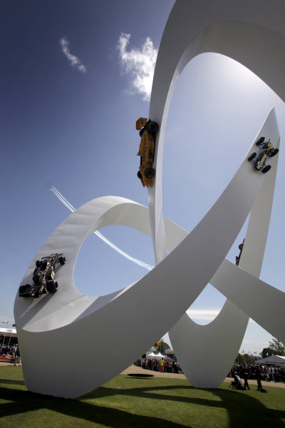 x England 28th June - 1st July 2012 Lotus Statue. World Copyright: Gary Hawkins/LAT Photographic Ref: Digital Image Only