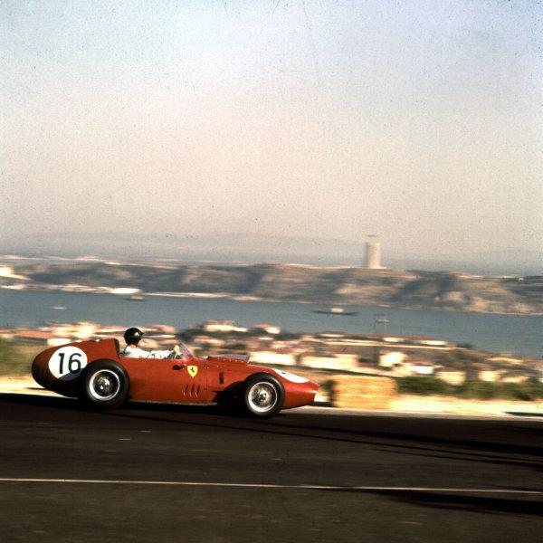 1959 Portuguese Grand Prix.Monsanto, Lisbon, Portugal.21-23 August 1959.Dan Gurney (Ferrari Dino 246) 3rd position.Ref-3/0112.World Copyright - LAT Photographic