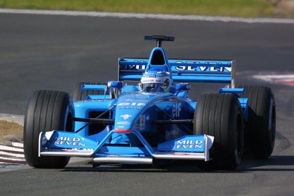 2001 European Grand Prix. RACENurburgring, Germany. 24th June 2001Giancarlo Fisichella, Benetton Renault B201, action.World Copyright - LAT Photographicref: 8 9 MB Digital File Only
