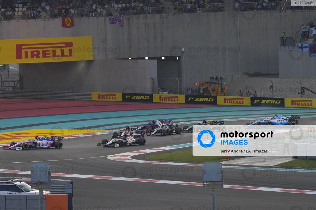 Lance Stroll, Racing Point RP19, leads Antonio Giovinazzi, Alfa Romeo Racing C38, Kimi Raikkonen, Alfa Romeo Racing C38 Valtteri Bottas, Mercedes AMG W10 anf Daniil Kvyat, Toro Rosso STR14