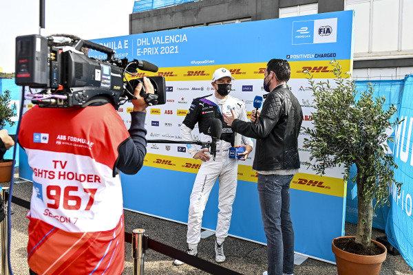 Pole Sitter Jake Dennis (GBR), BMW I Andretti Motorsport being interviewed in Parc Ferme
